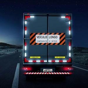 Faixa refletiva parachoque caminhão